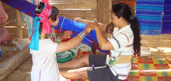 Learning hilltribe weaving